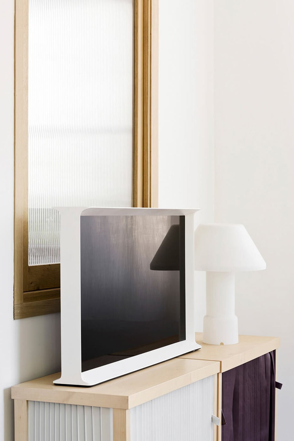 samsung-serif-tv-buroullec-brothers-design-4