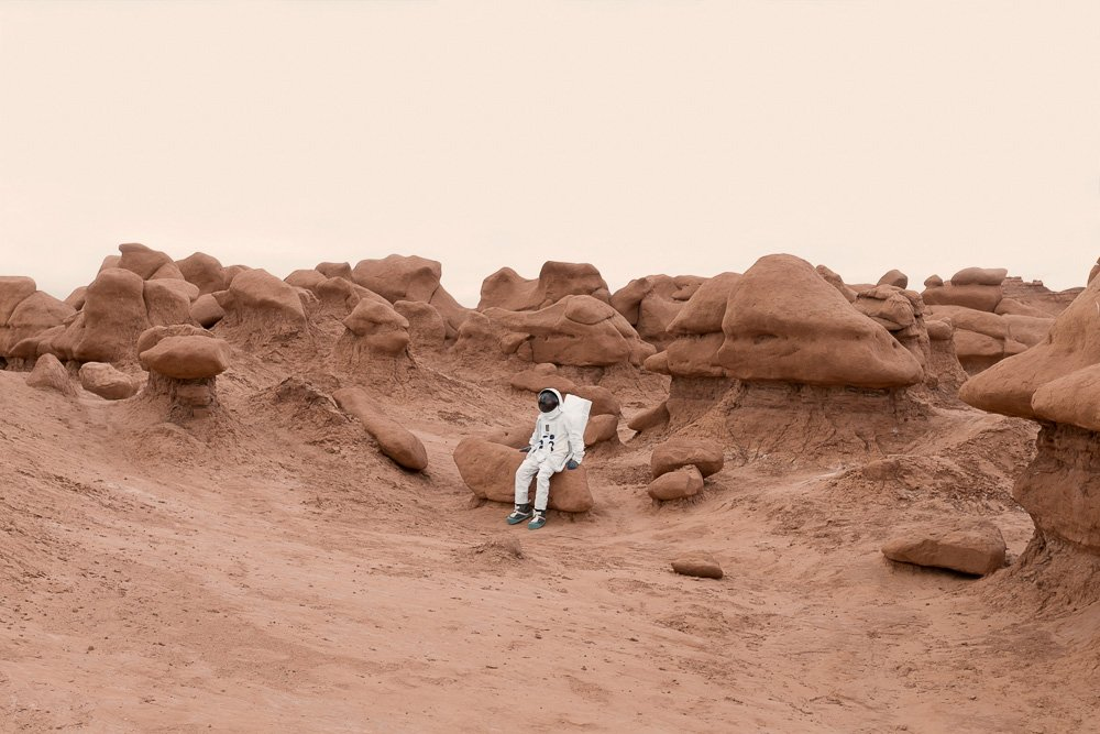 greetings-from-mars-surreal-snapshots-by-julien-mauve-15