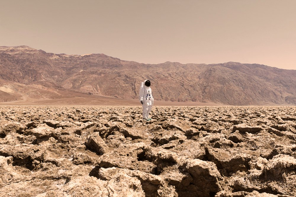 greetings-from-mars-surreal-snapshots-by-julien-mauve-6