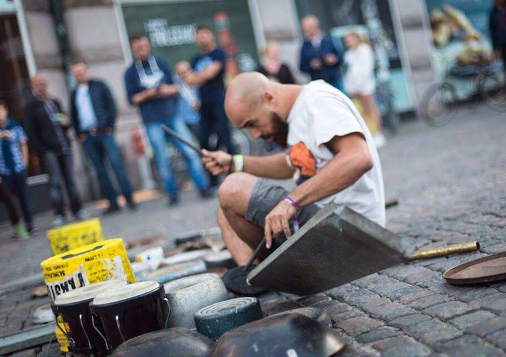 dario_rossi_italian_street_drummer_7