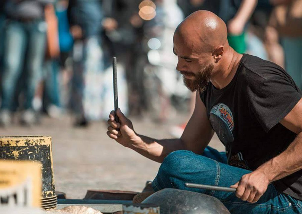 dario_rossi_italian_street_drummer_5