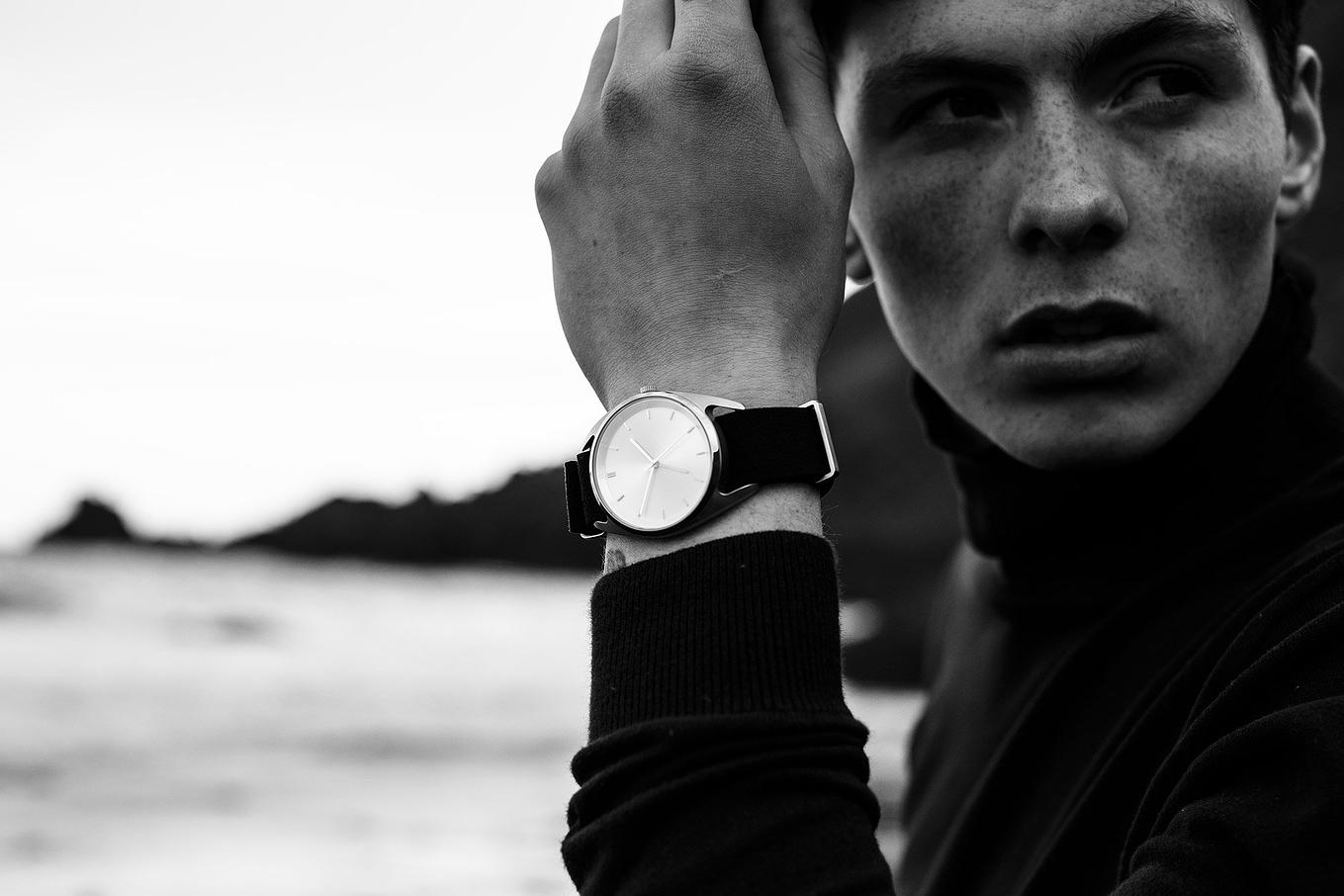 seconds-gmt-watch-nocs-atelier-2