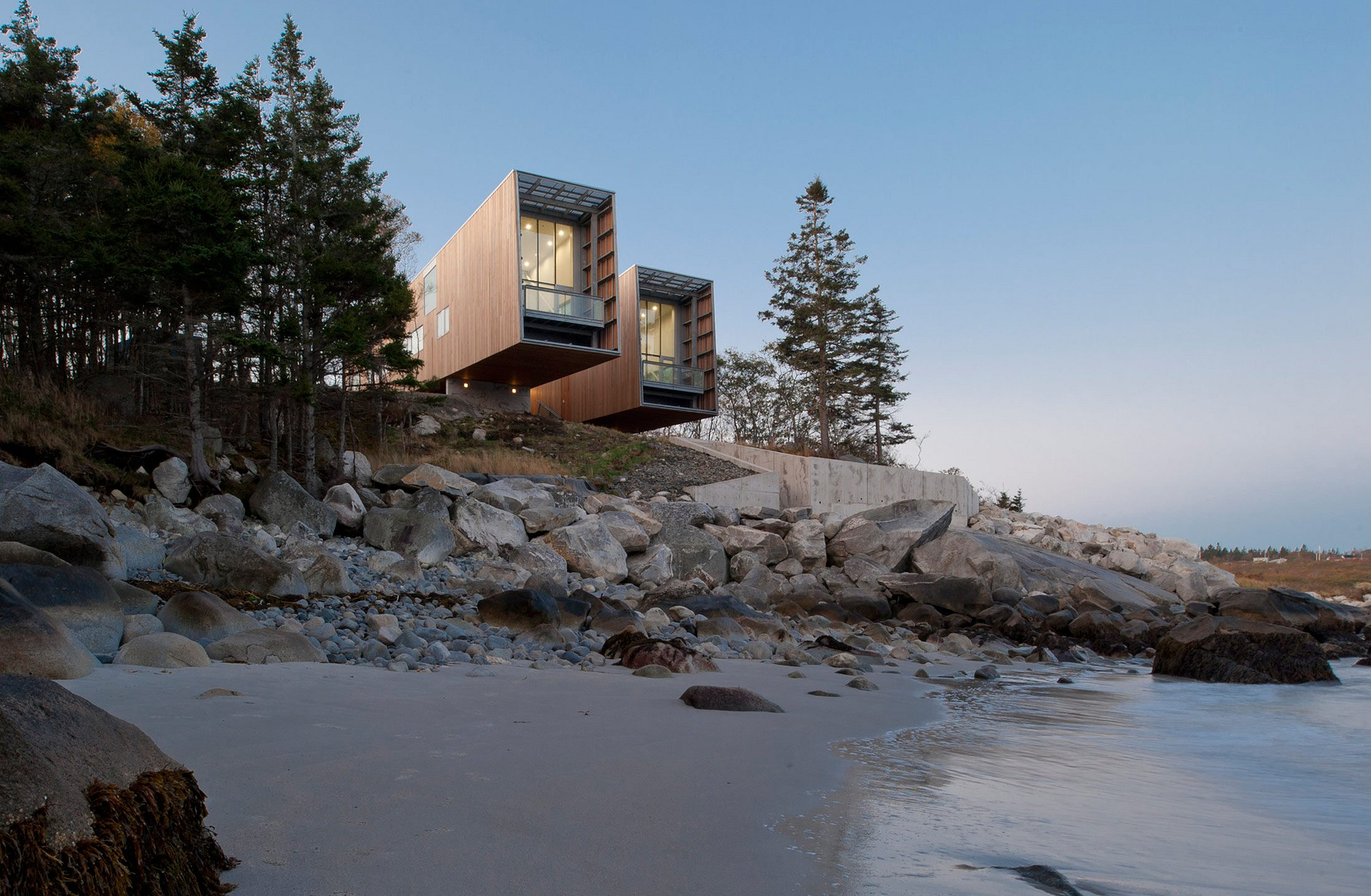 the-two-hulls-house-in-nova-scotia-canada-gessato-2