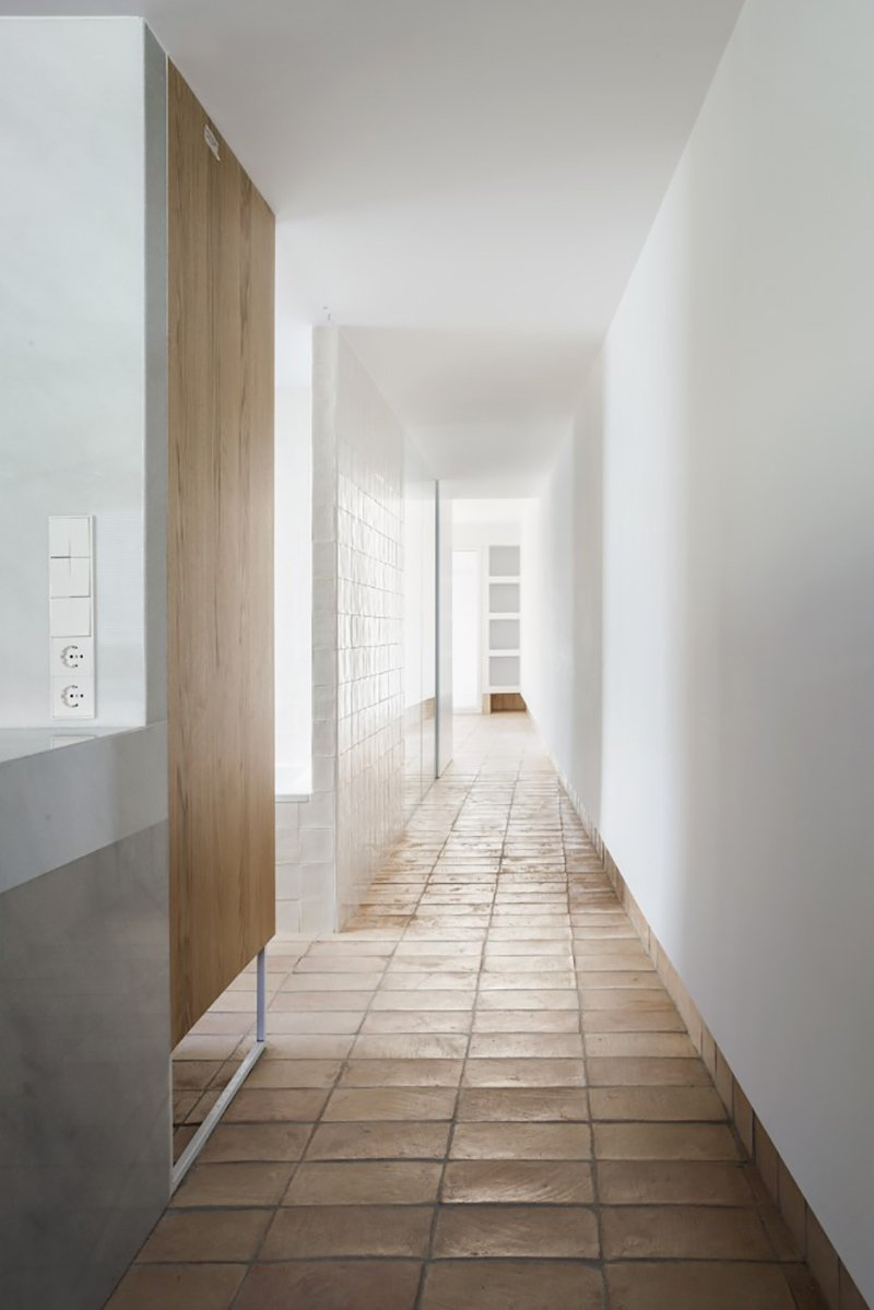 the-vernacular-penthouse-reimagines-the-traditional-valencian-home-5
