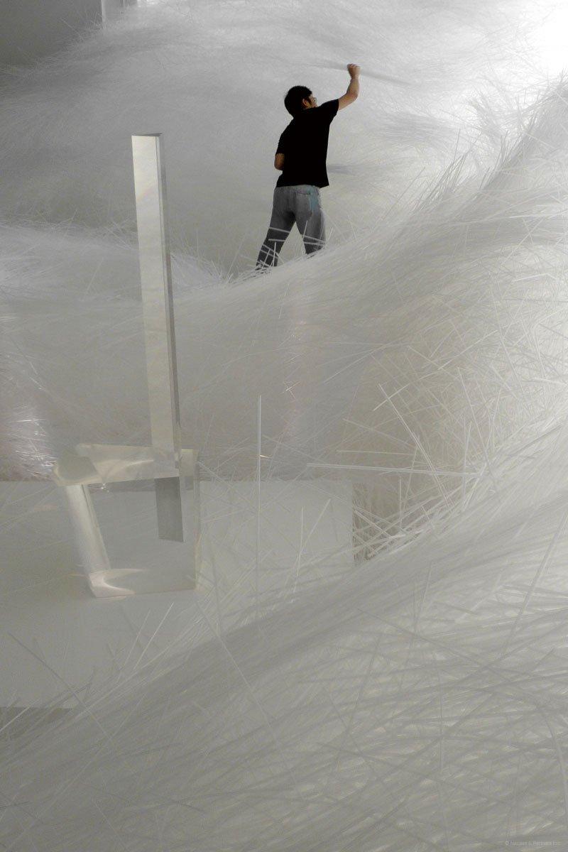 tornado-with-2milion-straws-by-tokujin-yoshioka-8