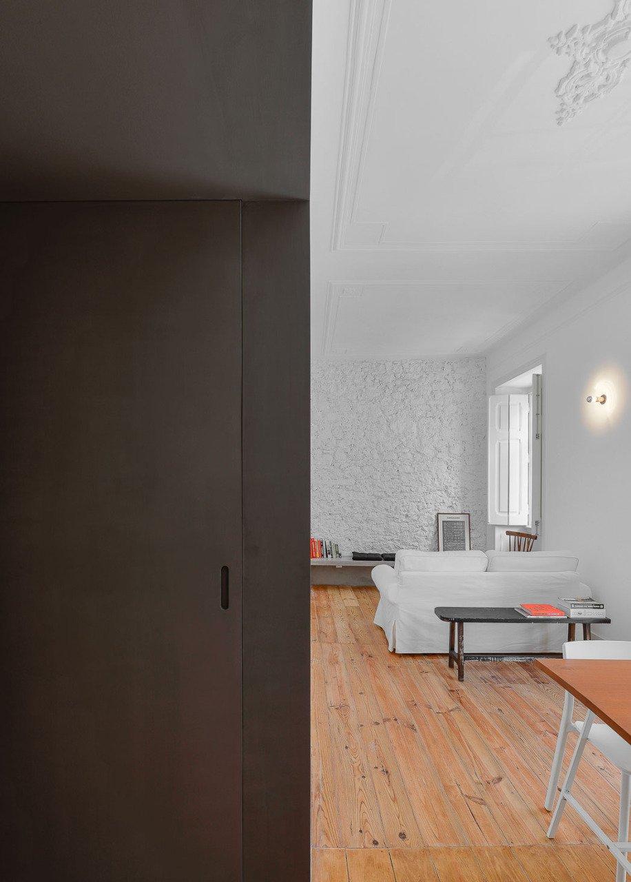 elegant-historical-apartment-renovation-in-lisbon-14