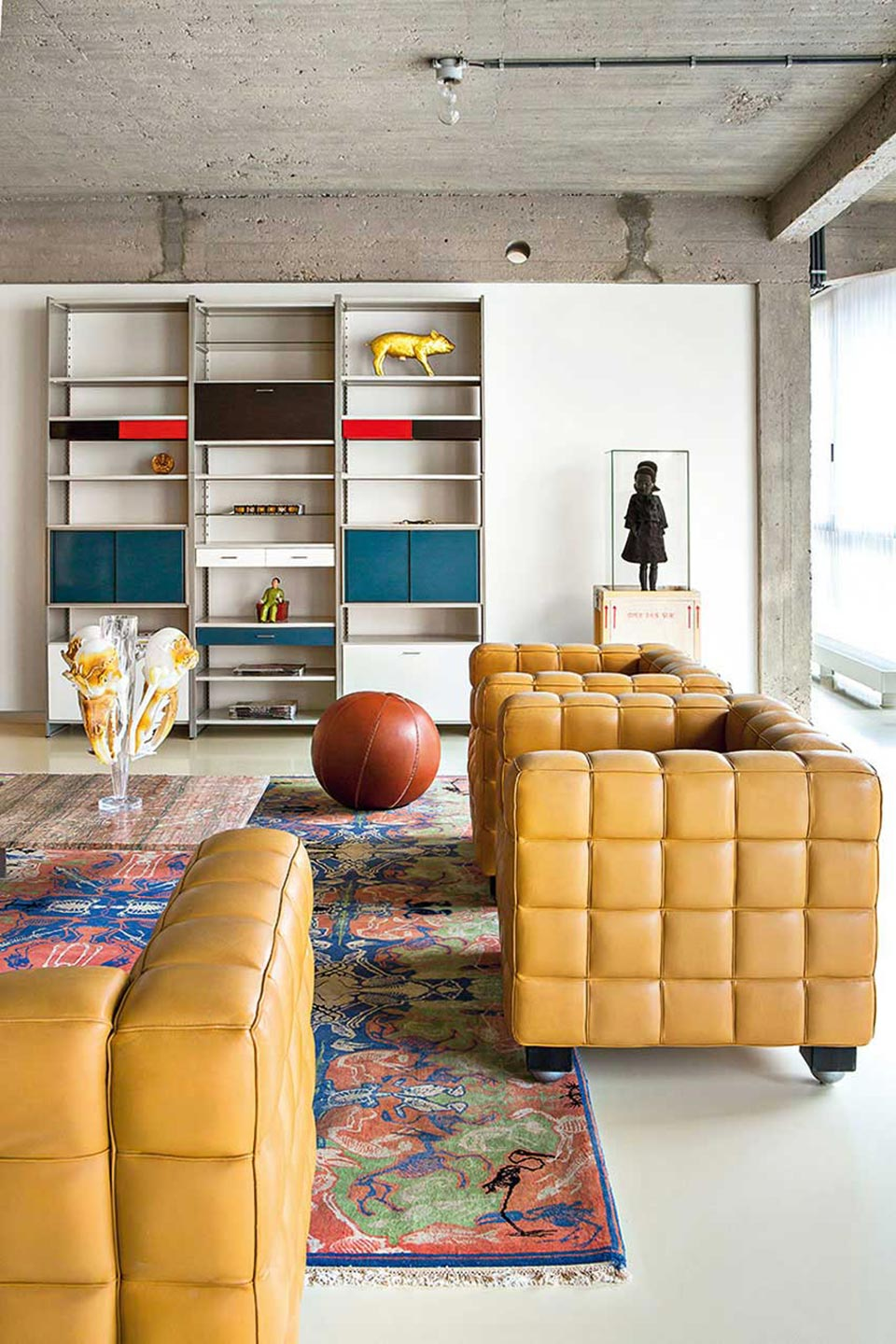 industrial-loft-with-a-bold-collection-of-decor-1a