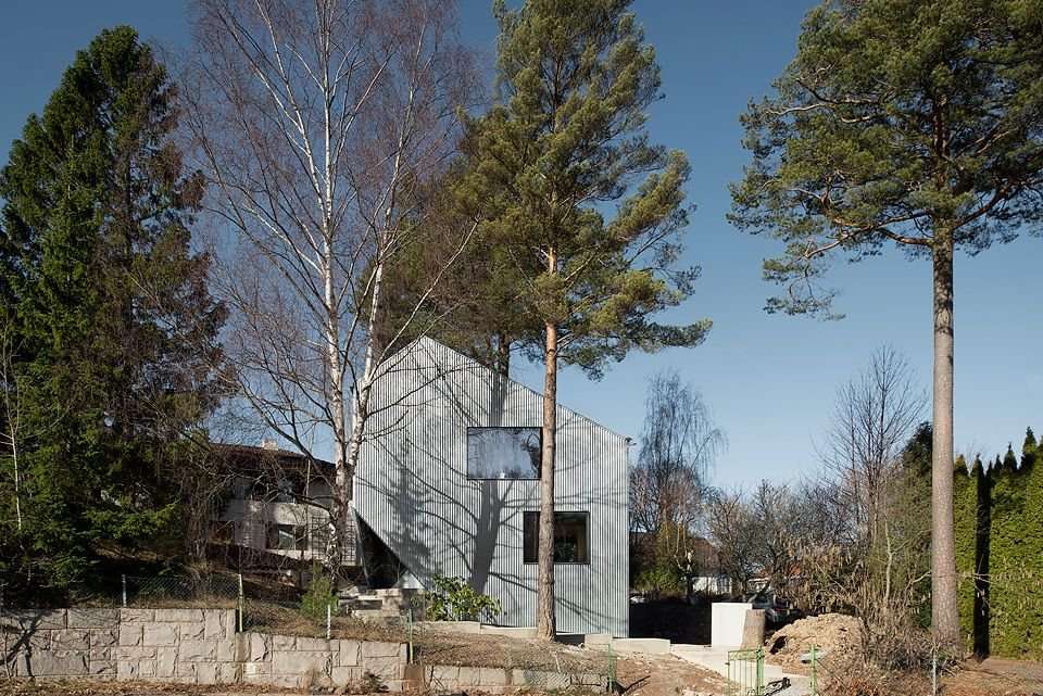 contemporary-swedish-prefab-home-1